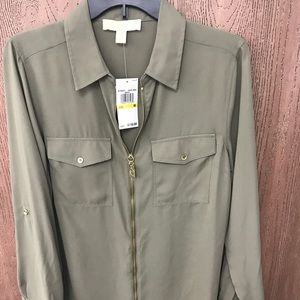 Safari Green blouse 👚, Michael Kors brand, Medium